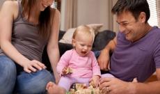 Pourquoi est-ce important de jouer avec son bébé?